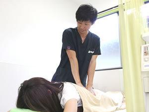 腰痛の施術写真01
